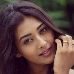 Pooja Jhaveri Contact Address, Phone Number, House Address